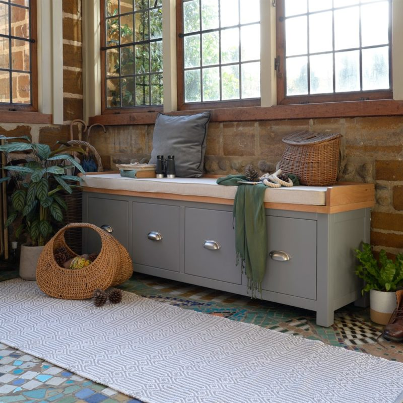 Grey-painted hallway bench with 4 drawers