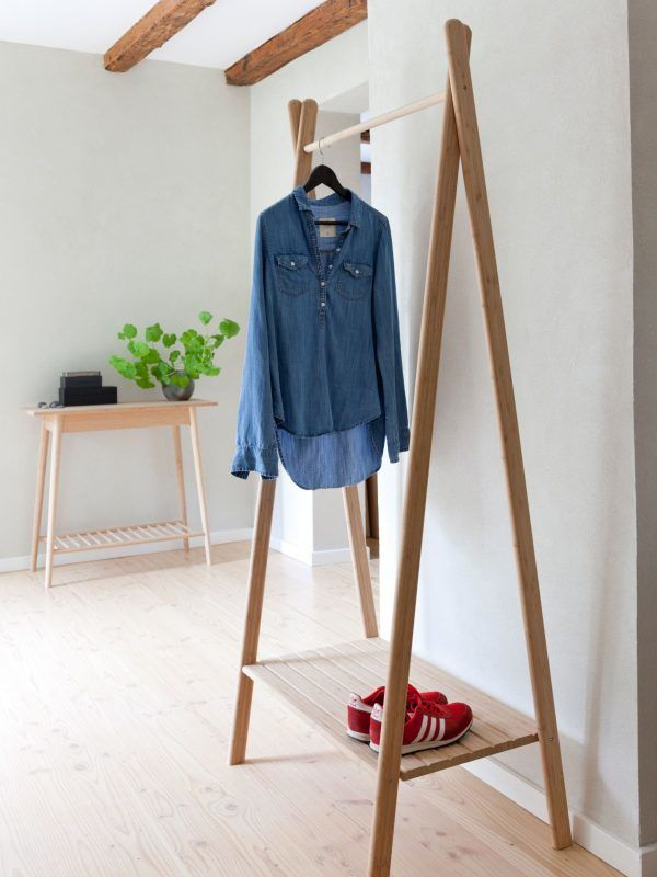 Wooden hanging rail with shoe shelf