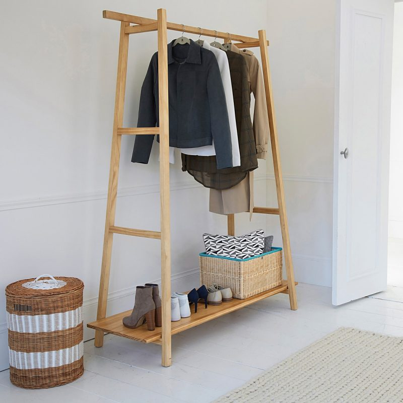 Ladder-style clothes rail