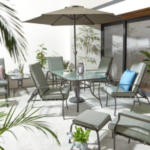 Outdoor dining set complete with parasol