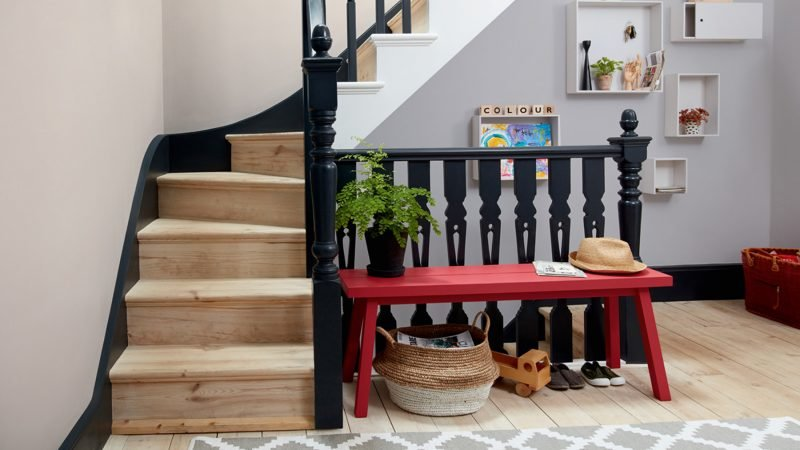 Staircase and landing decorating scheme