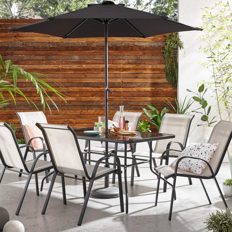 Black metal dining set with parasol