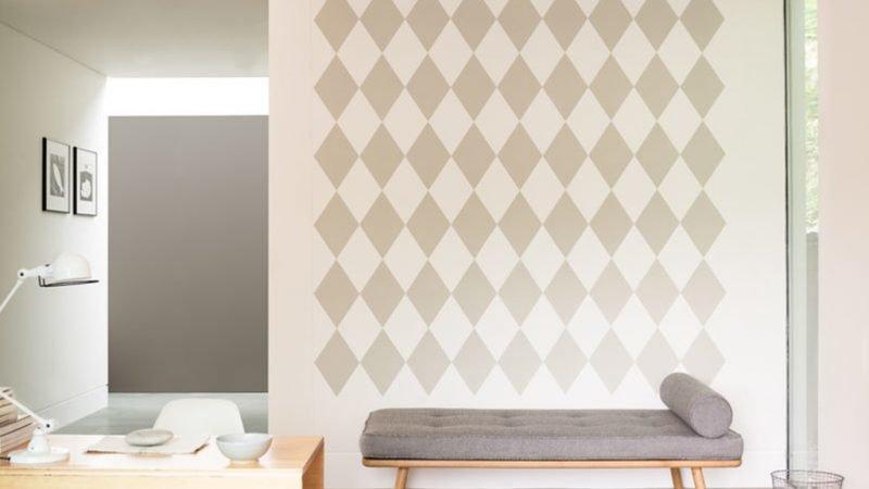 Neutral paint scheme with pattern