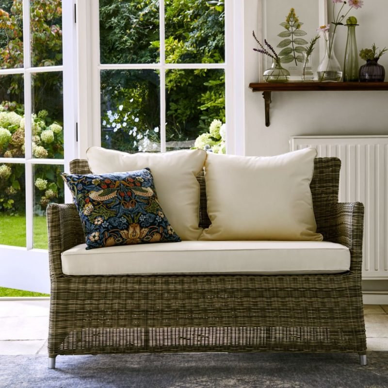Wicker 2-seater sofa with seat cushion