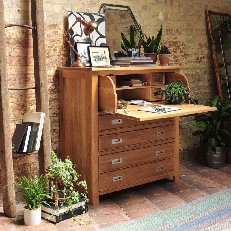 Oak bureau with hidden opening
