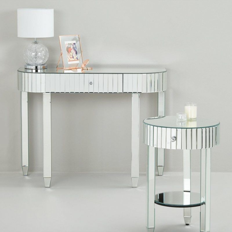 Mirror finish dressing table