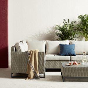 Corner garden seating