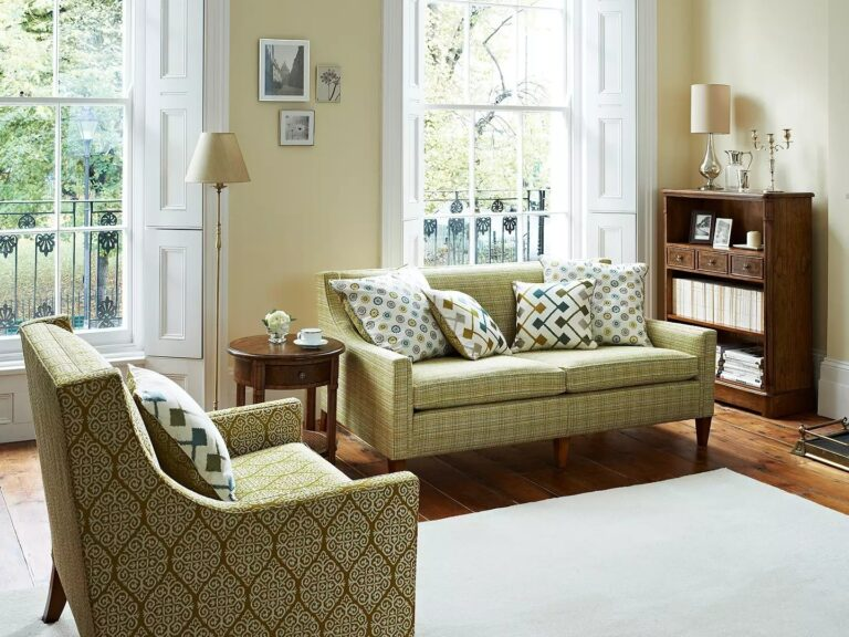 Traditional style oak furniture