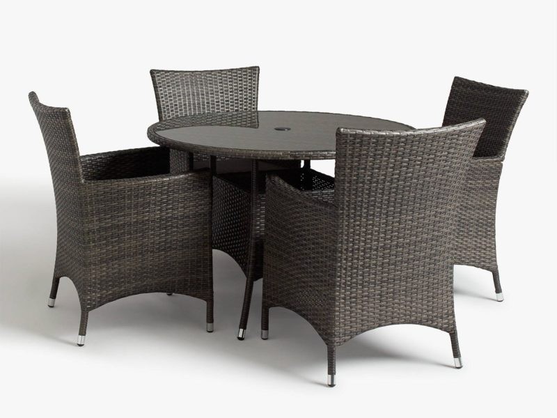 Round outdoor table and 4 rattan chairs