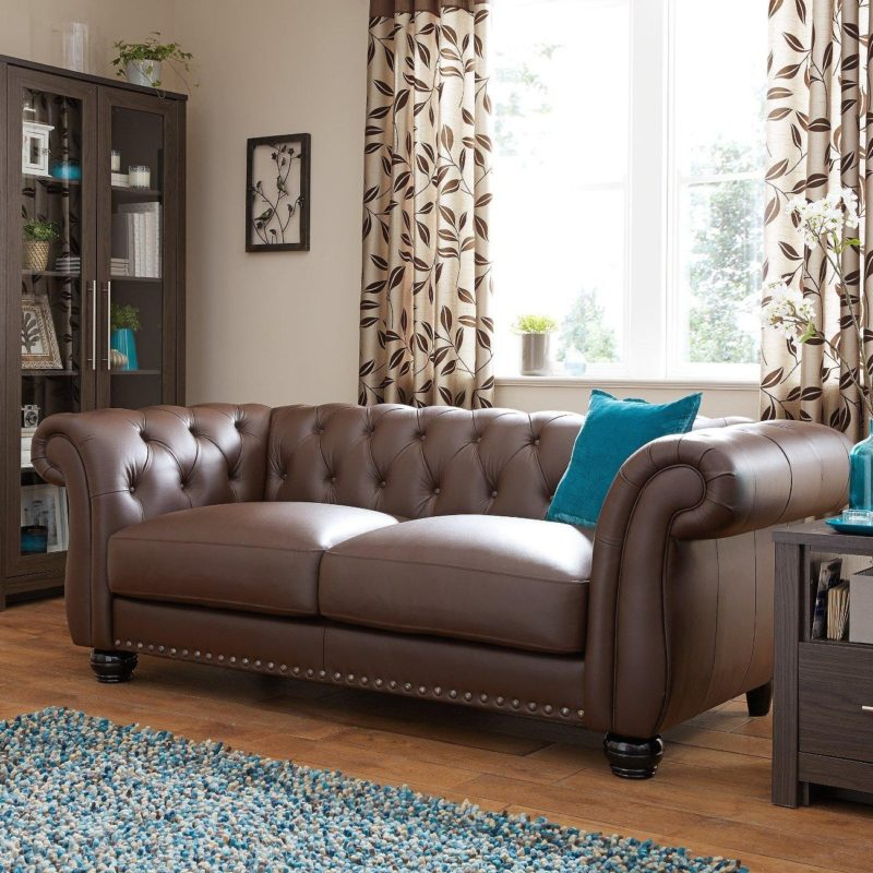 3-seater brown leather Chesterfield-style sofa