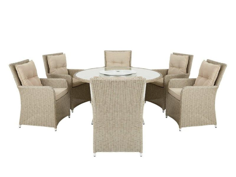 Rattan dining set with round table