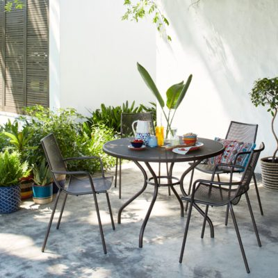 Round metal garden table and 4 chairs