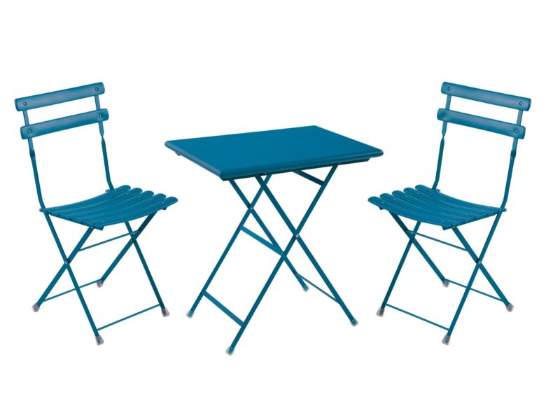 Blue painted outdoor dining set