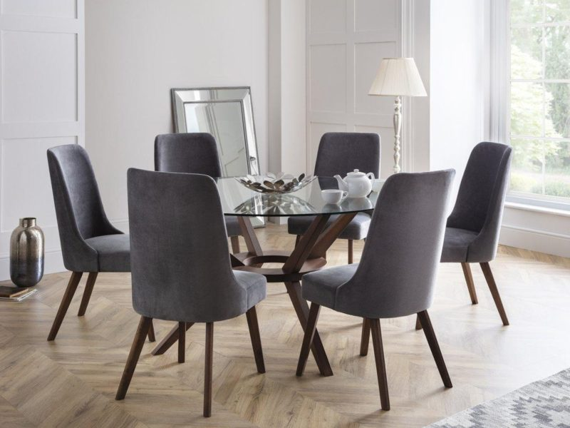 Round glass dining table and 6 dining chairs