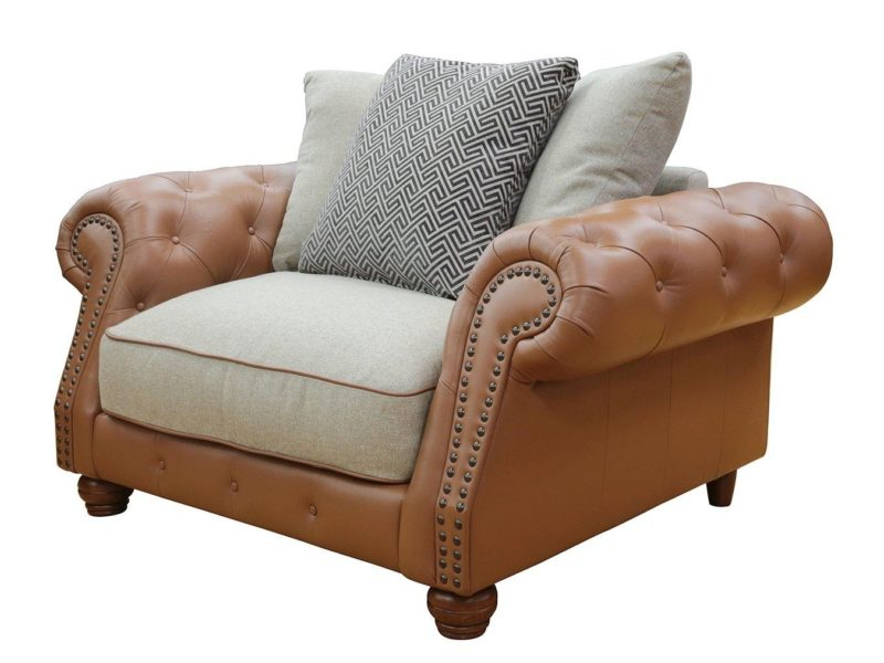Chesterfield style cuddle chair