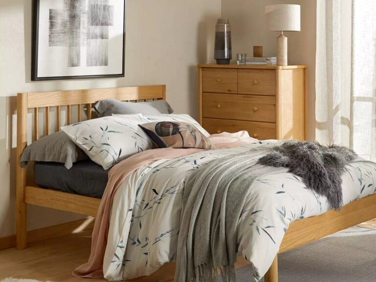 Minimalist-style oak bedroom furniture