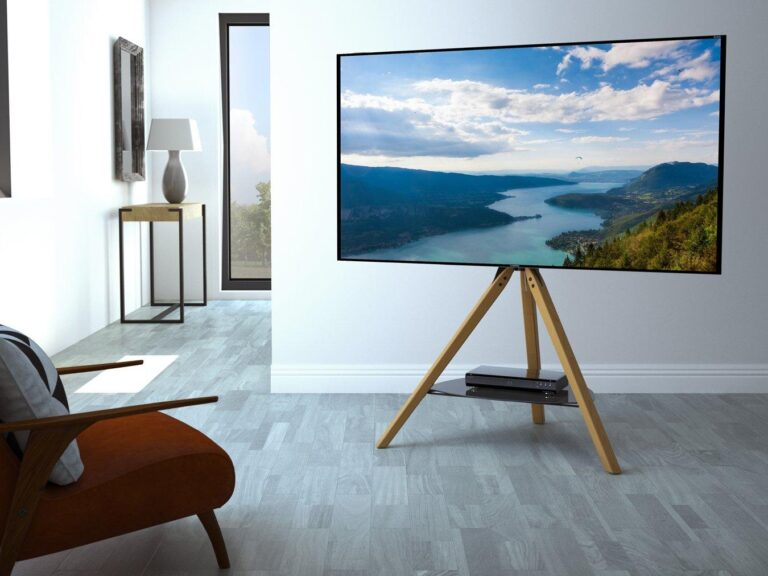 Freestanding tripod-style TV stand