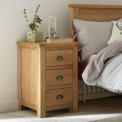3-drawer oak bedside chest