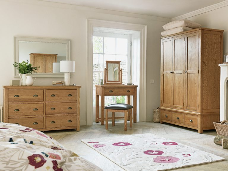 Traditional-style oak bedroom furniture
