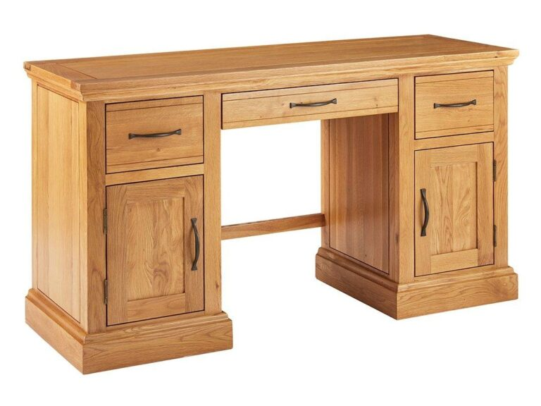 Traditional-style desk