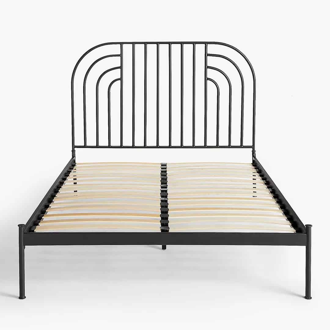 Swirl design bed frame with slatted base