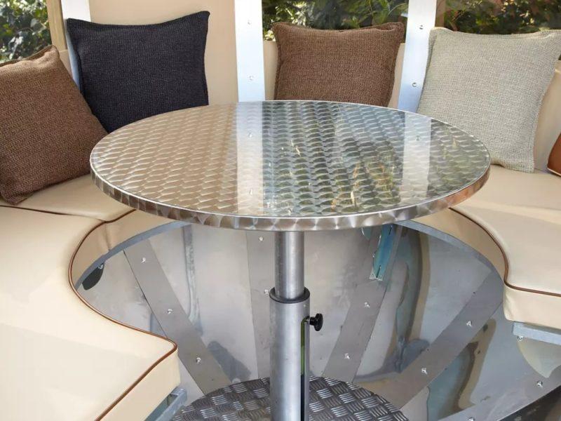 Garden Pod Table