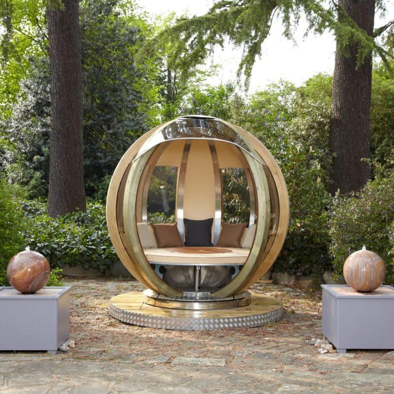 Garden pod with rotating base