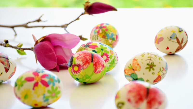 Eggs decorated with decoupage art