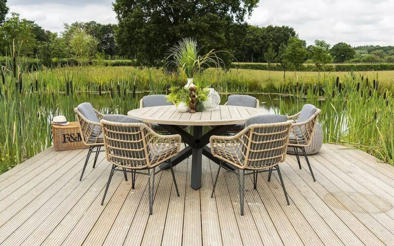 Garden dining set with rope-weave style chairs