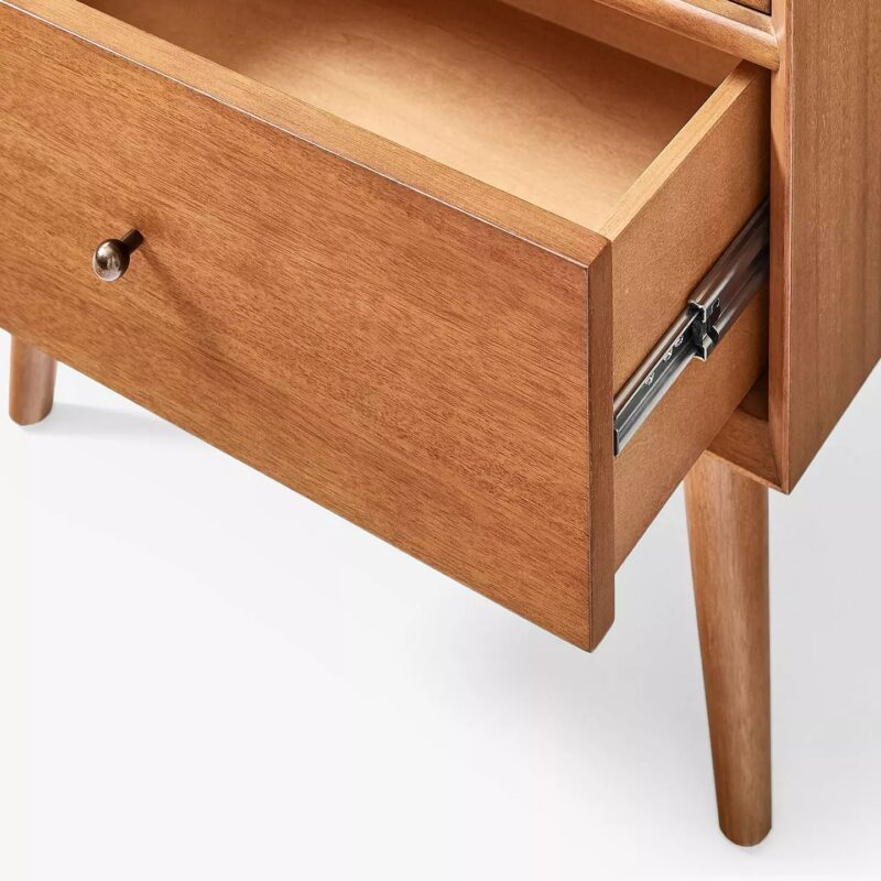 Cabinet drawer on metal runners