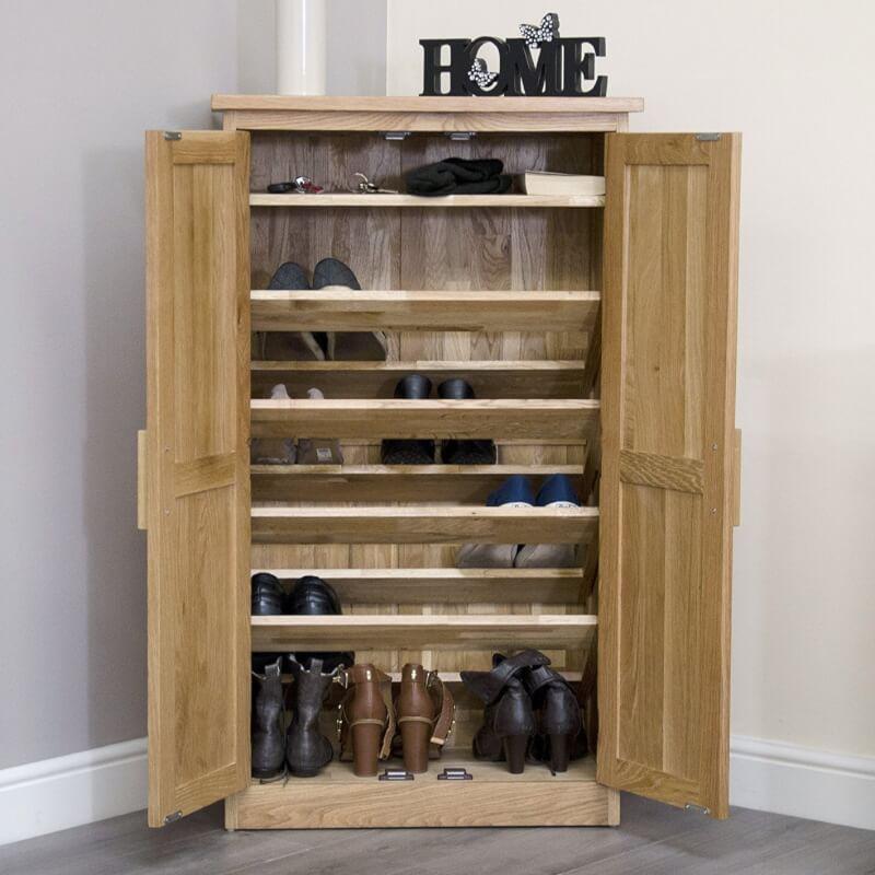 Oak shoe cupboard with 4 shelves