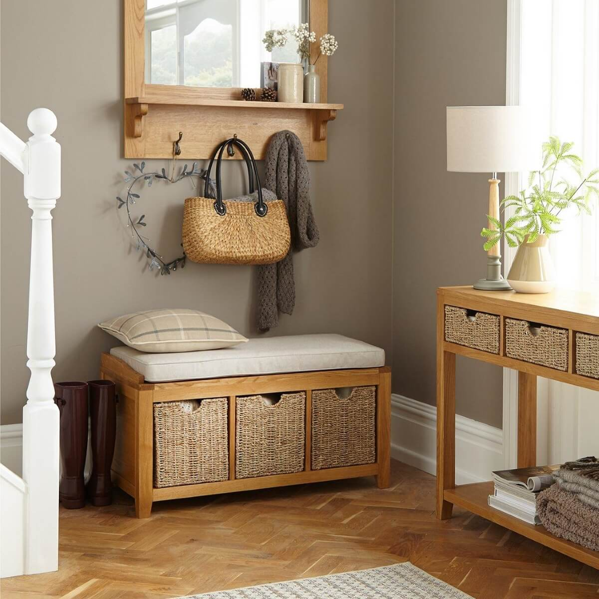 Oak storage bench with 3 baskets
