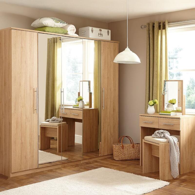 Merveilleux Light Oak Coloured Bedroom Furniture